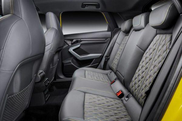 """Daugiau greičio, daugiau galios, daugiau važiavimo malonumo: nauji """"Audi S3 Sportback"""" ir """"S3 Limousine"""""""
