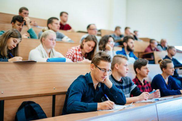 VDU – antras tarp Lietuvos universitetų pagal kviečiamųjų studijuoti skaičių