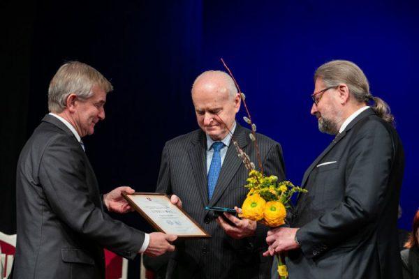 Seimo Pirmininkas reiškia užuojautą dėl visuomenės veikėjo Algirdo Gluodo netekties