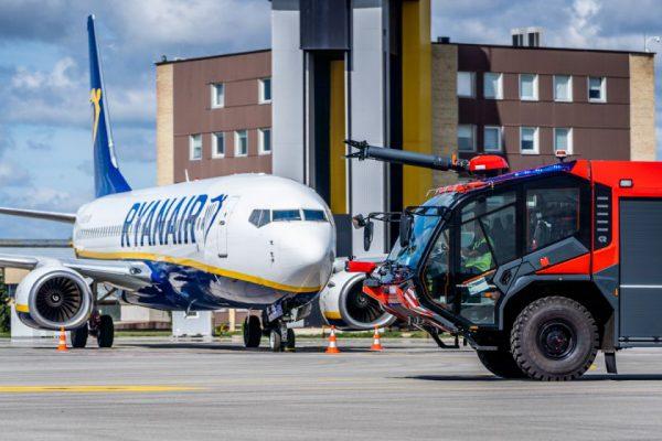 Kauno oro uostą papildė du nauji priešgaisrinės tarnybos automobiliai