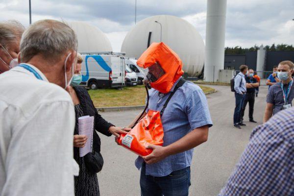 """""""Vilniaus vandenų"""" darbuotojams – saugos bei gelbėjimo įrangos naudojimo mokymai"""