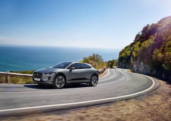"""""""Jaguar"""" pristato atnaujintą dar patrauklesnį ir praktiškesnį """"I-Pace"""""""