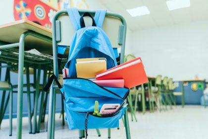 Sąsiuvinių mažiau, o kūrybinių priemonių – daugiau: kaip pasikeitė mokinio pirkinių krepšelis per du metus?