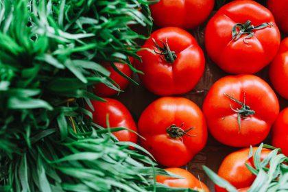 Pesticidai maiste: ar pirktas obuolys visuomet blogiau už sode užaugintą?
