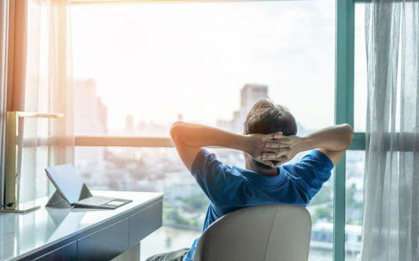 Atsibodo nuolat skolintis? Štai 10 būdų, kaip užsidirbti ir turėti stabilų papildomų pajamų šaltinį