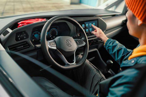 """Jau galima užsisakyti penktosios kartos """"Volkswagen Caddy"""""""