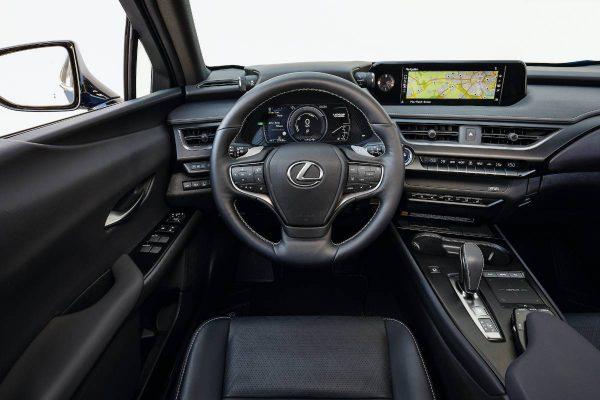 """Devyni įdomūs faktai apie pirmąjį """"Lexus"""" elektromobilį """"UX 300e"""""""