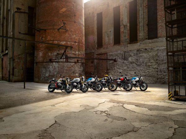 """""""BMW Motorrad"""" atskleidė penkias 2021 m. motociklų sezono naujienas"""