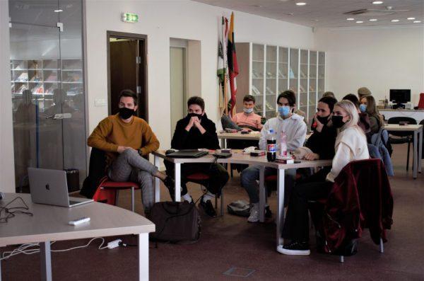 Vilniaus ir Alytaus jaunimas sprendė kibernetinio saugumo ir mokslo per karantiną problemas