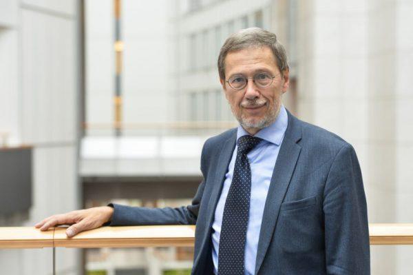 """EP narys prof. Liudas Mažylis kviečia į virtualų renginį """"Teisinė sistema ir konstitucinių reformų perspektyvos Baltarusijoje"""""""