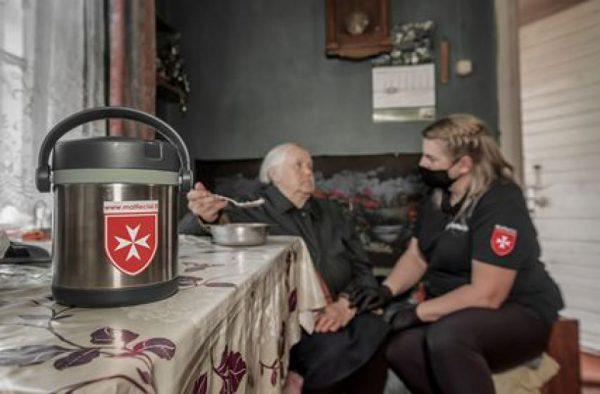 """Senelių paramos akcija """"Maltiečių sriuba"""" šiemet kaip niekad aktuali"""