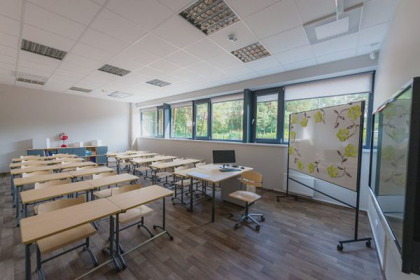 COVID-19 situacija Kauno mokyklose stabilizavosi – priešmokyklinukai ir pradinukai grįžta į klases