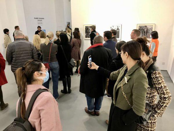 """Pekine atidaryta Antano Sutkaus fotografijų paroda """"Planet Lithuania"""""""