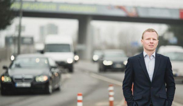 Transporto specialistas pataria: kaip pasiruošti tamsiajam metų sezonui?