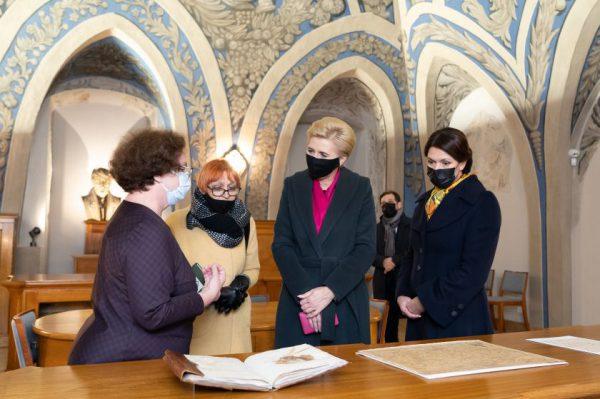 Vilniaus universitete lankėsi pirmosios Lietuvos ir Lenkijos ponios