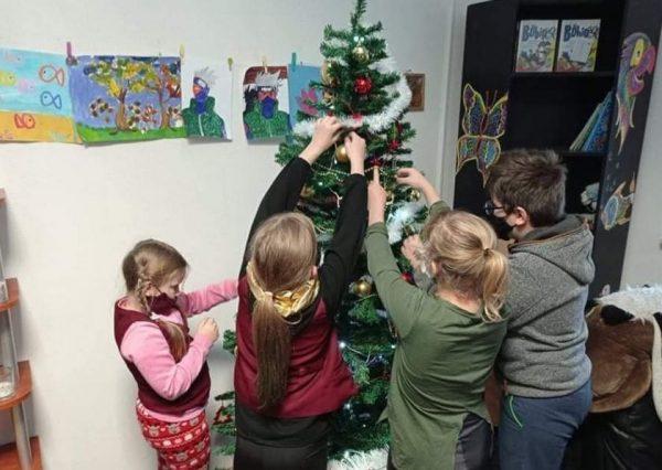 """Prieš šventes """"Rimi"""" parama pasiekė Kauno vaikų dienos centrus"""