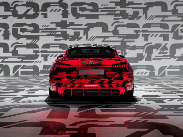 """""""Audi e-tron GT"""" premjera – jau vasario mėnesį"""