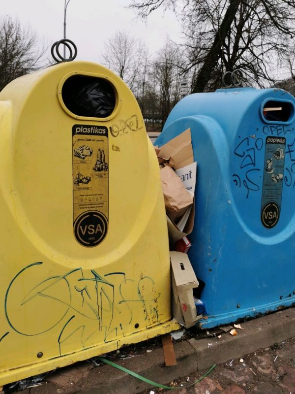 Dėl netvarkomų pakuočių atliekų Vilnius Aplinkos ministerijai skambina pavojaus varpais