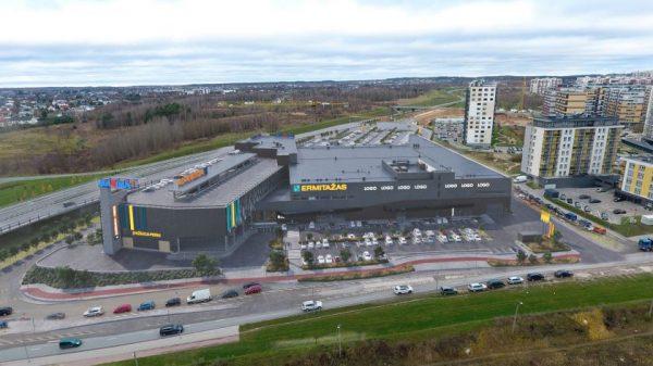 """""""Luminor"""" greta sostinės Vakarinio aplinkkelio statomam prekybos centrui skolina 20,4 milijono eurų"""