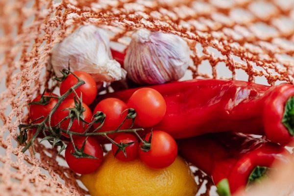 Maisto švaistymas – didelė šių dienų problema: kiek tonų išmetame ir kaip su tuo kovoti?