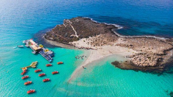 Valentino staigmena – balandį sugrįžtančios kelionės į meilės salą Kiprą