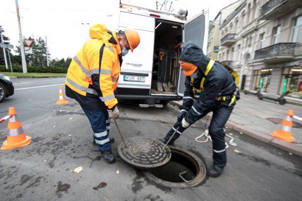 """""""Vilniaus vandenys"""" sugriežtino rangovų darbo saugos kontrolę"""