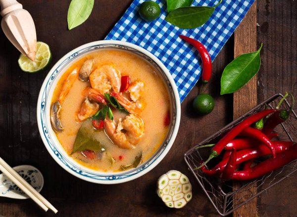 5 priežastys, kodėl spaudžiant šaltukui verta valgyti sriubas