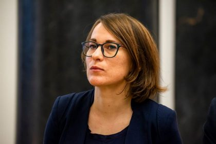 Smurto prieš moteris srityje dirbančios organizacijos: reikia ne tulpių, o Stambulo konvencijos ratifikavimo
