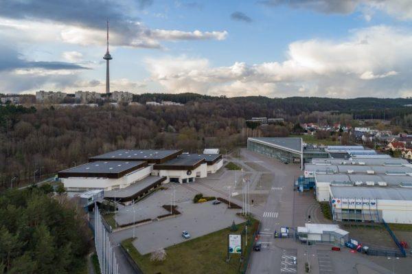 """Dar vieną vakcinacijos centrą Vilnius rengiasi kurti """"Litexpo"""" patalpose, kitas jau atsidaro Žirmūnuose"""