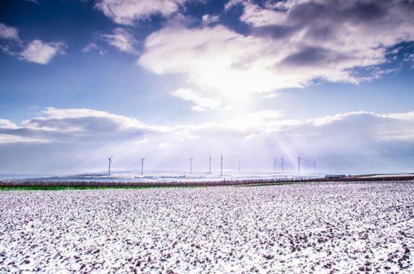Žvarbus vasaris vėjo jėgainių darbo nesustabdė: pagamintos elektros pakaktų 22 tūkst. namų Lietuvoje