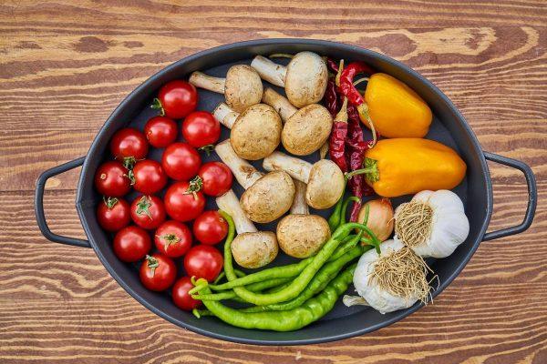 Maisto vartojimo tendencijos: ką europiečiai valgo pavasarį?