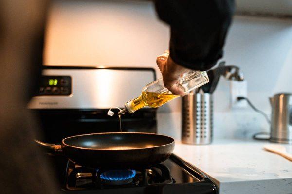 Sviestas ar aliejus: kokį produktą ir kada naudoti?