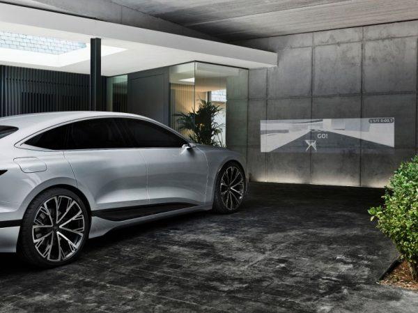 """""""Audi A6 e-tron concept"""" – naujas """"e-voliucijos"""" etapas"""