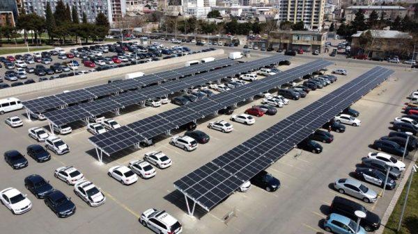 Tbilisyje jau baigiama statyti lietuvių saulės jėgainė