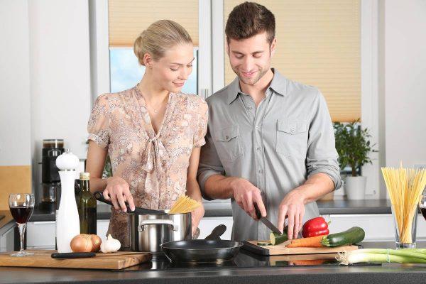 10 maisto gaminimo patarimų: sutaupysite daugybę laiko ir išleisite mažiau pinigų