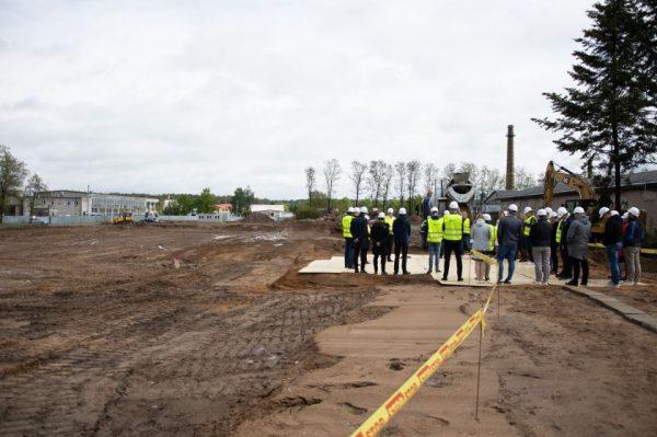 Jonavą pasiekė milijoninės investicijos – statoma pirmoji Baltijos šalyse aliuminio profilių gamykla