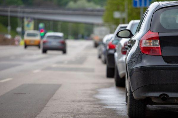 Darnaus judumo link: Kaunas ruošia nepopuliarius, bet būtinus sprendimus automobilių užgultose teritorijose