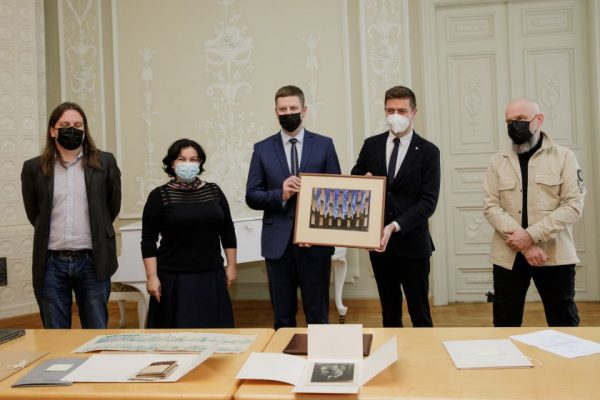Čekijoje atrasti Mstislavo Dobužinskio archyviniai dokumentai perduoti Lietuvai