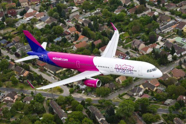 """""""Wizz air"""" skelbia 2022 m. vasaros skrydžių tvarkaraštį"""