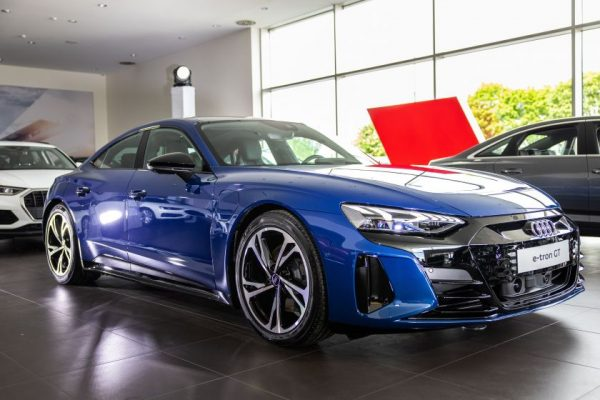 "Lietuvoje pristatytas naujas ""Audi e-tron GT"" elektromobilis"