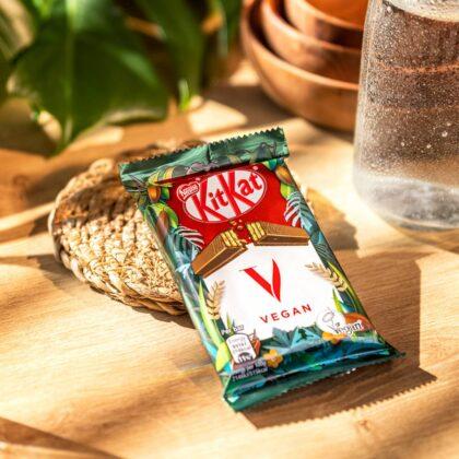 """Pasidarykite veganišką pertrauką – """"Nestlé"""" pristato augalinės kilmės šokolado batonėlį """"KitKat Vegan"""""""