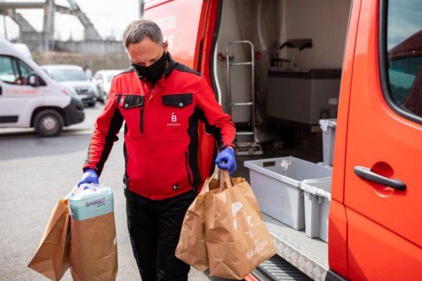 """""""Barbora"""" atsisako plastikinių maišų – užsakymus vežios tik popieriniuose"""