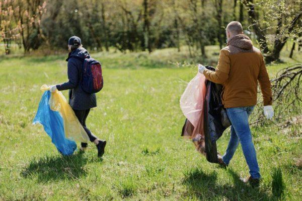 Kokių atliekų Lietuvos pamiškėse mėtosi daugiausiai? DAROM skelbia akcijos rezultatus